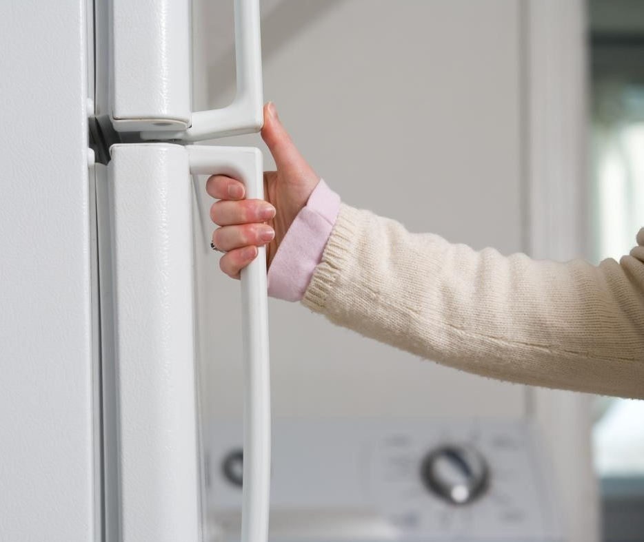 Ремонт холодильника в сервисе