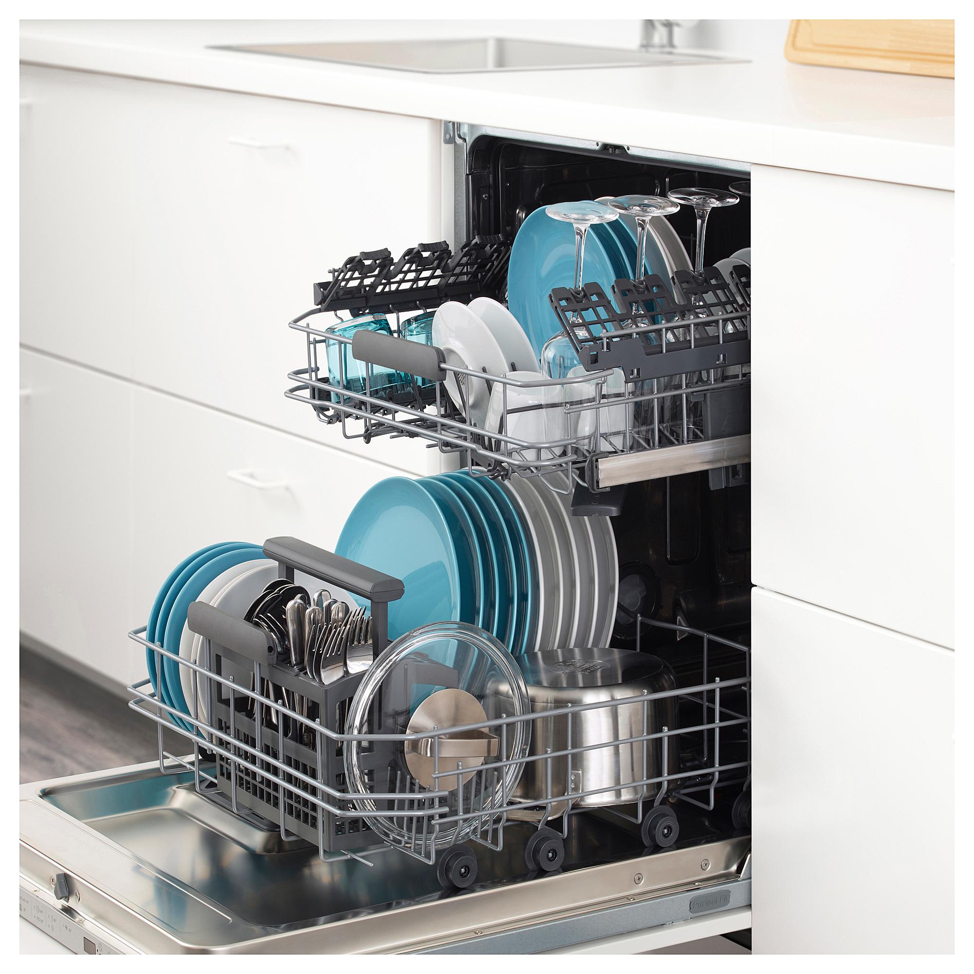Поломалась посудомоечная машина